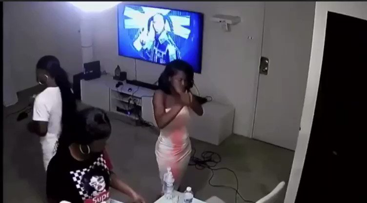 This is how that young Ghanaian 'Junior' was killed in his home in Philadelphia. This is CCTV footage released by the Philadelphia Police Department...... all the three girls who were in his apartment were part of the scheme....