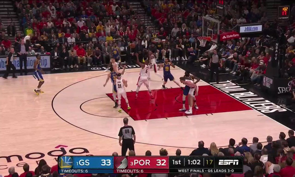 NBA Playoffs: Steph Curry wow'd everyone on one ridiculous possession