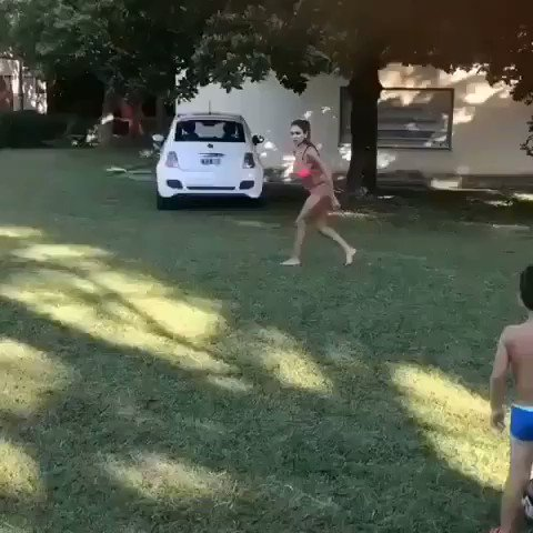 Il jouait le ballon...