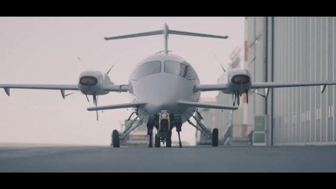 20190523070219_860_645 Cão robô puxa avião de três toneladas
