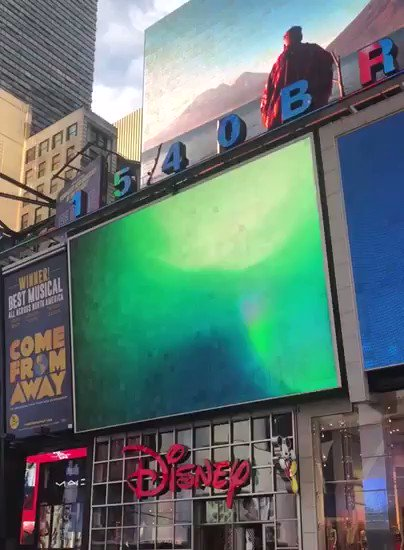 If you are walking by #NewYork #TimesSquare, stop for a second and look up! Special chance to meet GOT7!💚  2019.05.20 - 2019.05.26  @TimesSquareNYC  #GOT7 #갓세븐 #GOT7_SPINNINGTOP #GOT7_BETWEEN_SECURITY_AND_INSECURITY #GOT7_ECLIPSE #GOT7WORLDTOUR #GOT7_KEEPSPINNING