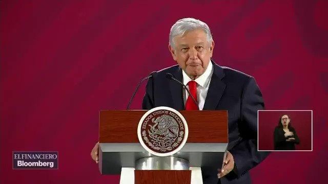 """""""No se está despidiendo a nadie, eso es propaganda, es para afectarnos. Ya ven como es 'el hampa del periodismo', no todos desde luego, pero 'el hampa' usa mucho eso"""", dijo @lopezobrador_ ¿Qué opinan #Weseros?#AsíElWeso con @EnriqueEnVivo por @WRADIOMexico"""