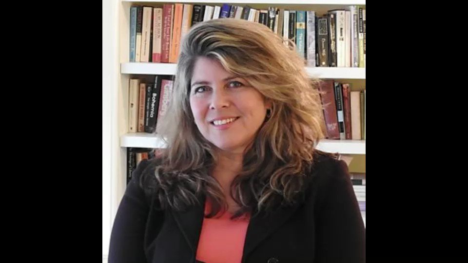 Edmund Hochreiter's photo on Naomi Wolf