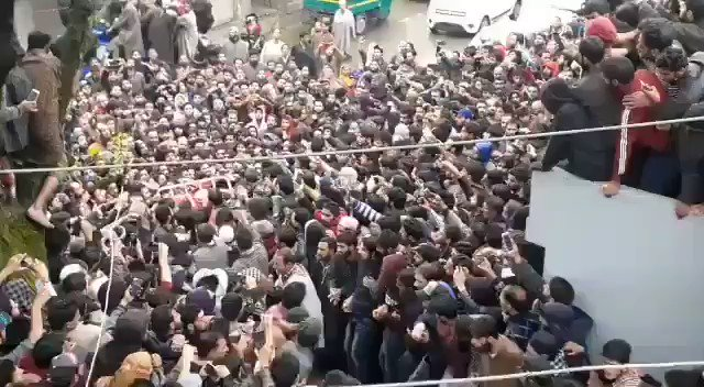 Tral flooded by people-People came across from all parts of #JammuandKashmir to offer last rites of #ZakirMusa.  #KashmirBleeds  @HerNameIs_Bea