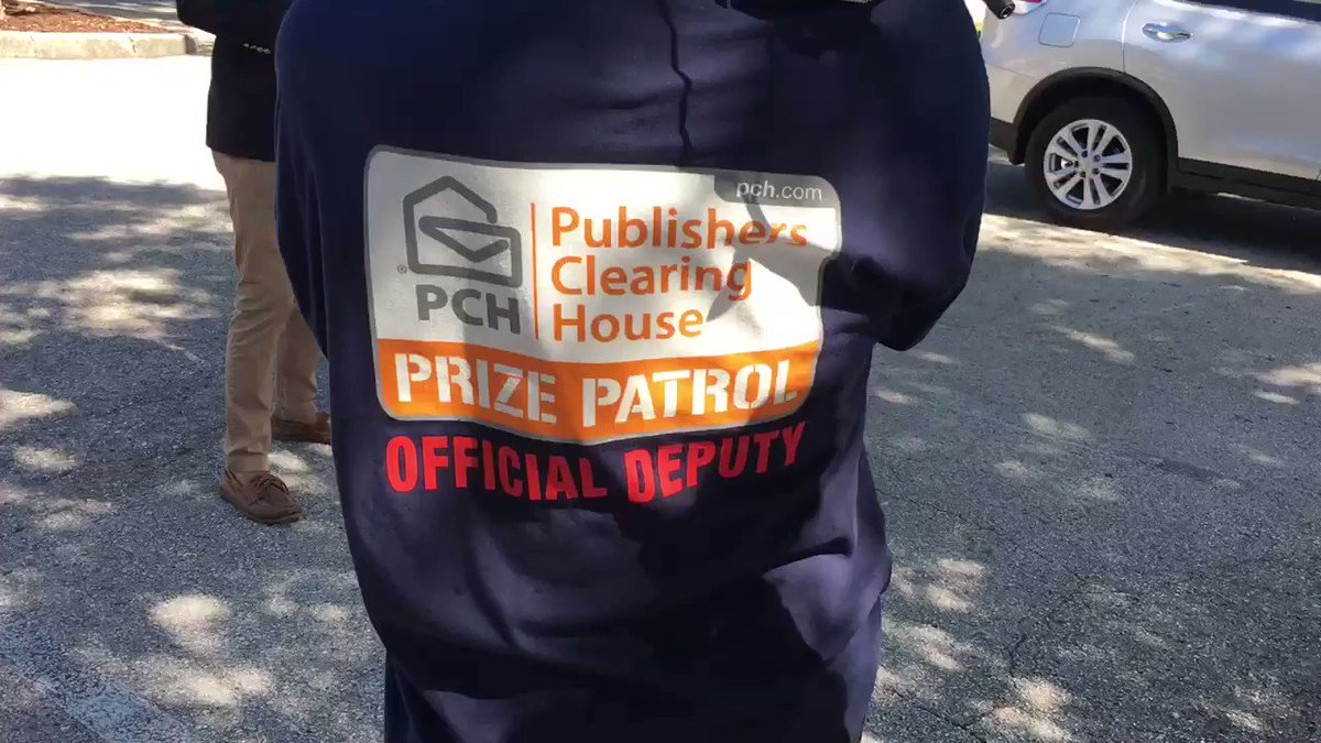 There's a @pchdotcom @prizepatrol winner in Valrico! Watch the surprise @BN9 #pchprizepatrol