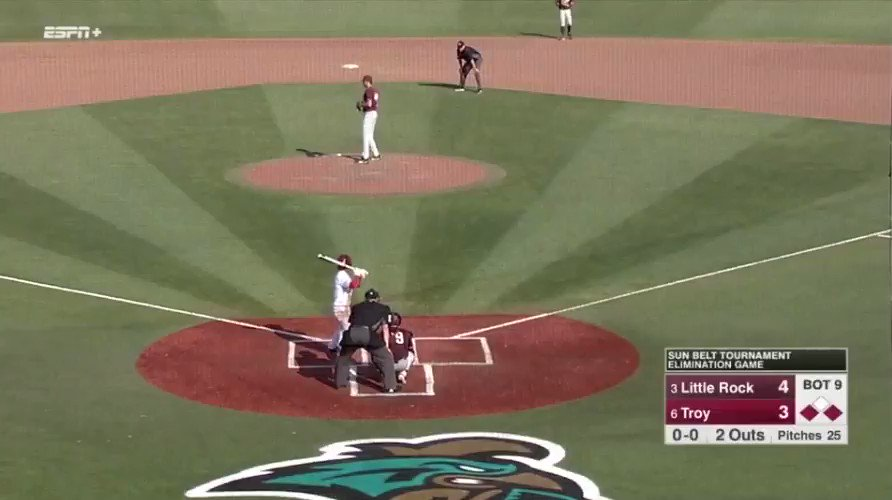 Bottom of the 9th, 2 outs, down by a run, what a finish! (via @TroyTrojansBSB)