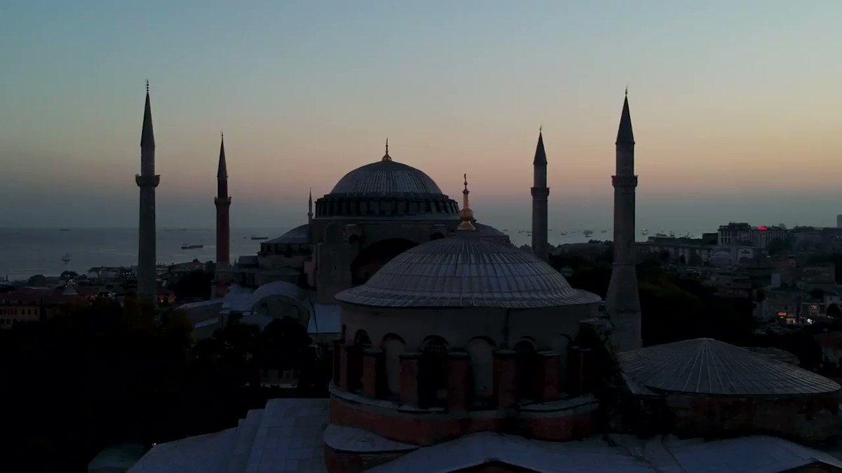 Bahçeşehir Üniversitesi olarak sponsoru olduğumuz, Aya İrini Müzesi'nde gerçekleşecek, Turkcell Platinum İstanbul Night Flight konserleri bugün başlıyor! 🎻 #turkcellplatinum #istanbulnightflight