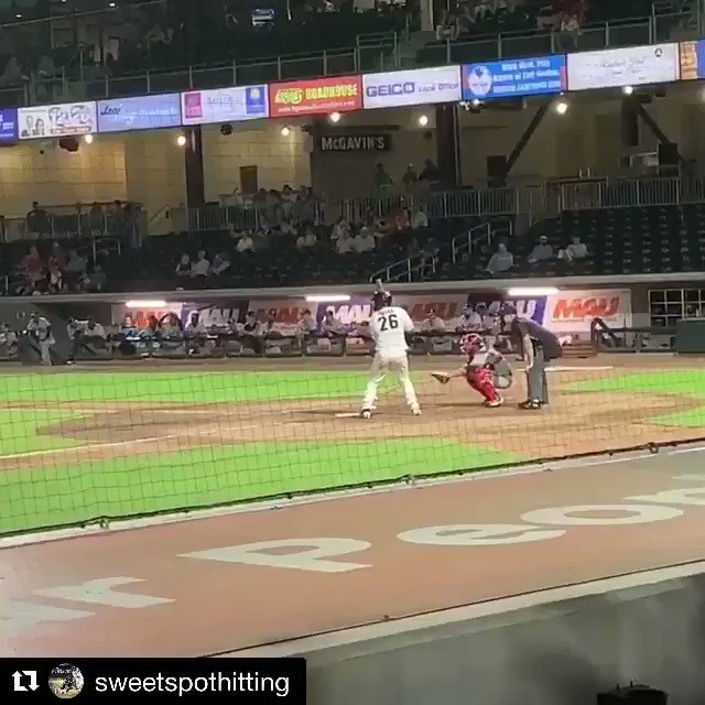 *SOUND ON* 💣💣💣  This is the best sound in the world! (via sweetspothitting/IG)