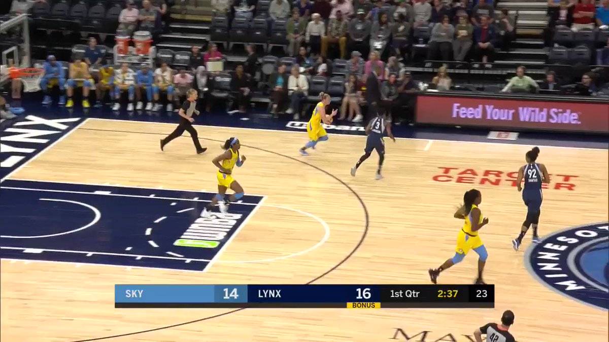 Must be a @UConnWBB thing...  Rookie @33katielou evades the defense with a smooth backdoor cut of her own for HER first #WNBA points! 👏👏
