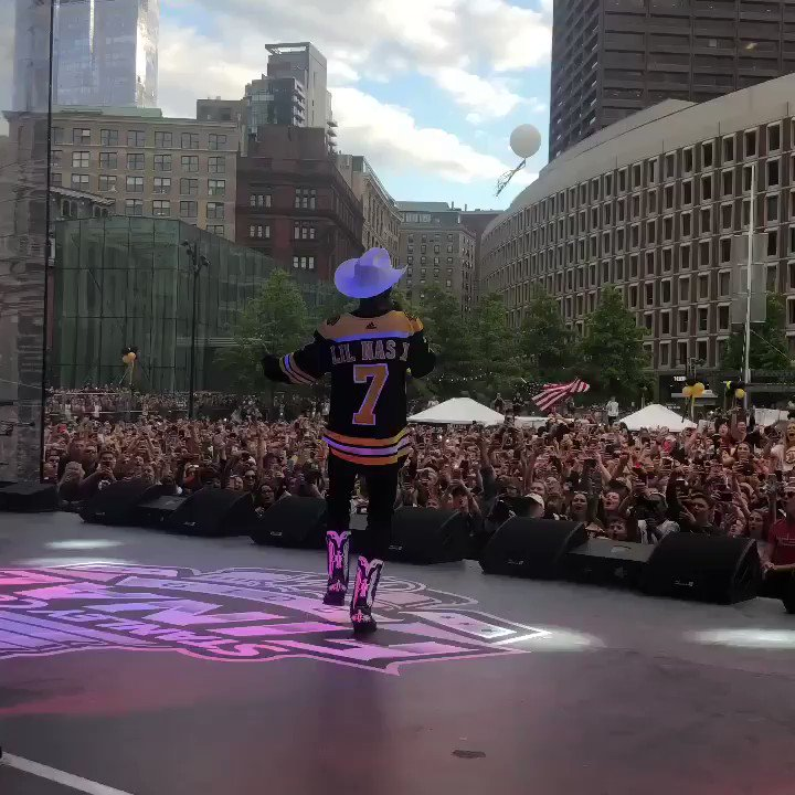 Lil Nas X ✖️ Bruins  'Old Town Road' gets the Boston fans hype for Game 1 of the #StanleyCup Final  (via @LilNasX)
