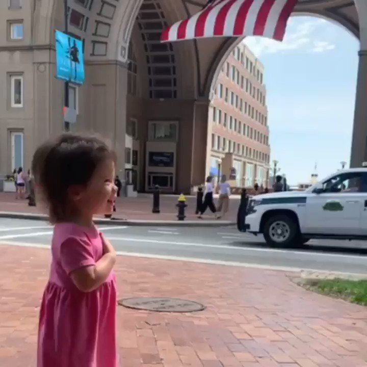 AMAZING!! This beautiful and Patriotic little girl that isn't even 2 yet recites the 'Pledge Of Allegiance' This Incredible girl made my day! What Amazing parents she has! Thank you from all the Patriots in this Country 💯🇺🇸❤️ Can she get a Retweet?
