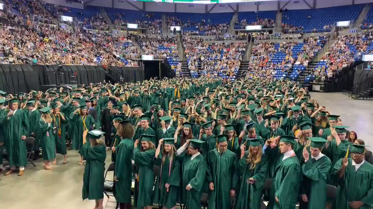 Congratulations, Lindbergh High School Class of 2019! We wish you all the best in your future endeavors! 🎉🎓🎉
