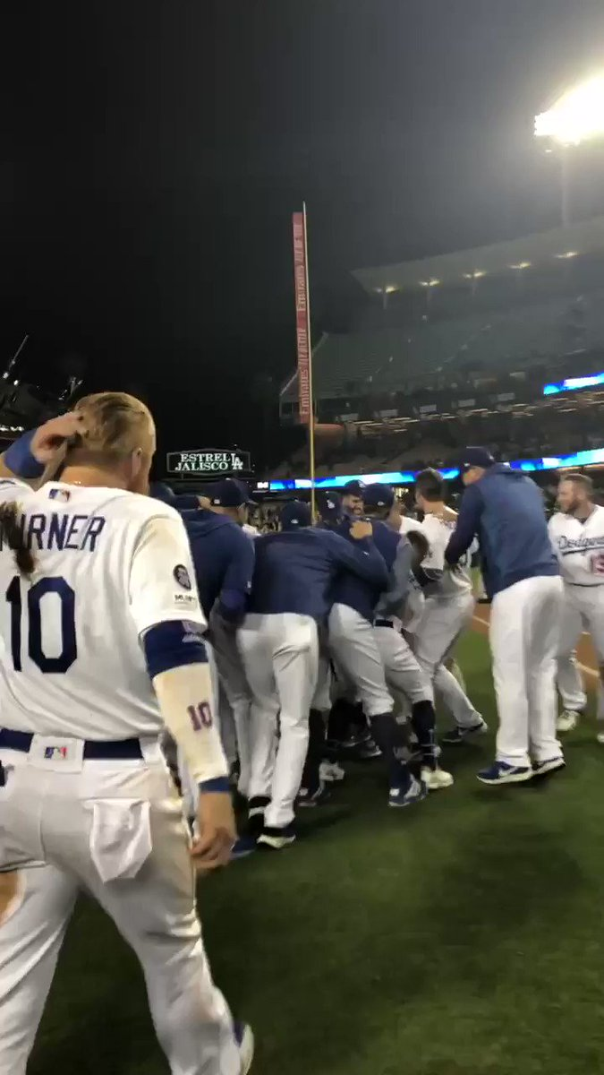 TEACH ME HOW TO DUGIE. #WALKOFF