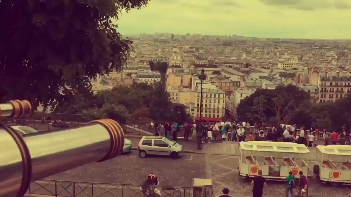 Une Histoire Parisienne.. Have you watched my Parisian video? A couple of years ago, I was working in Paris for the summer and two really good friends of mine helped me to make this video! Hit this link to watch the full video and subscribe if you like it! https://youtu.be/PN0cD08-oM0