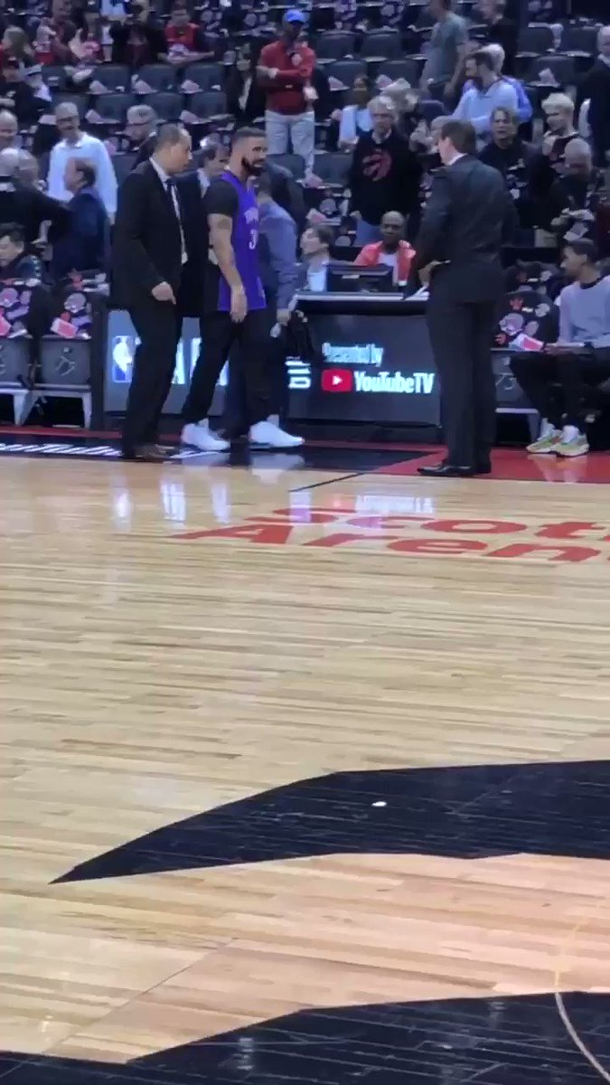Drake is actually wearing an old-school Dell Curry Raptors jersey for Game 1. 🤣😂  (🎥: @NBATV)