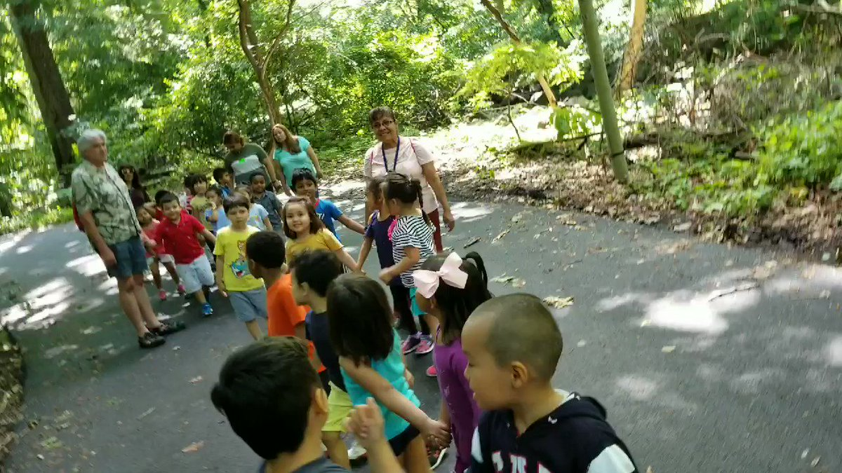 Little concert in the wood Preks enjoyed the last nature walk today. <a target='_blank' href='http://twitter.com/CampbellAPS'>@CampbellAPS</a> <a target='_blank' href='http://twitter.com/APS_EarlyChild'>@APS_EarlyChild</a> <a target='_blank' href='https://t.co/Zo5cMJTYJ6'>https://t.co/Zo5cMJTYJ6</a>