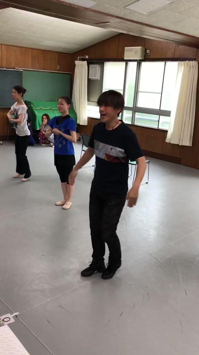 セバスチャン役の正木慎也さん 愛情たっぷりユーモアたっぷり 心優しい執事を熱演中 ダンスもお見事です。