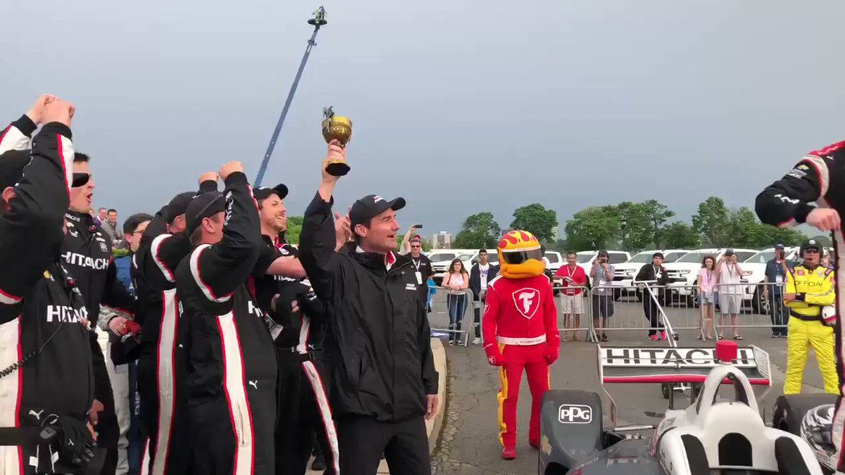 Race one at @detroitgp ended with the 🏁 for @josefnewgarden. 🏆  Retweet to congratulate the No. 2 @hitachiauto team!   #INDYCAR | @Hitachi_US