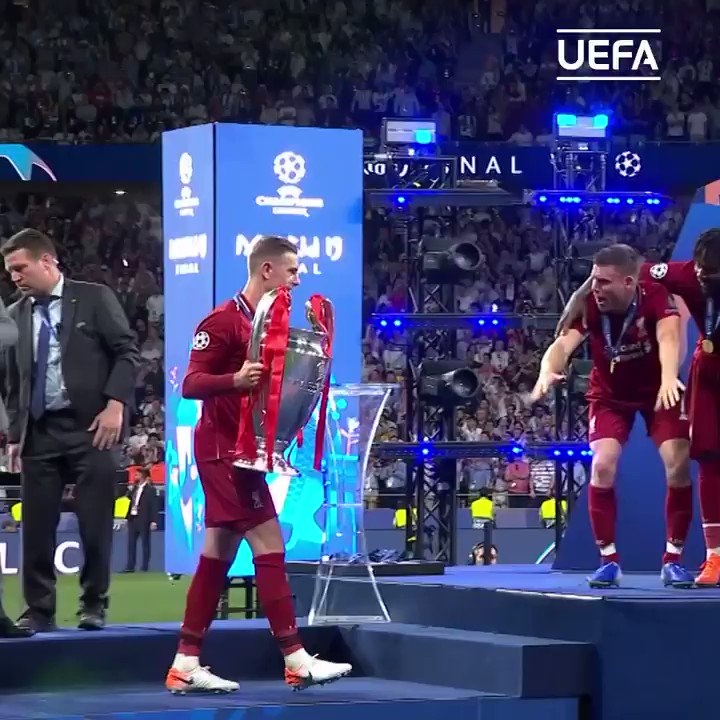 Last years Champions League trophy lift is even better in slow motion 😍