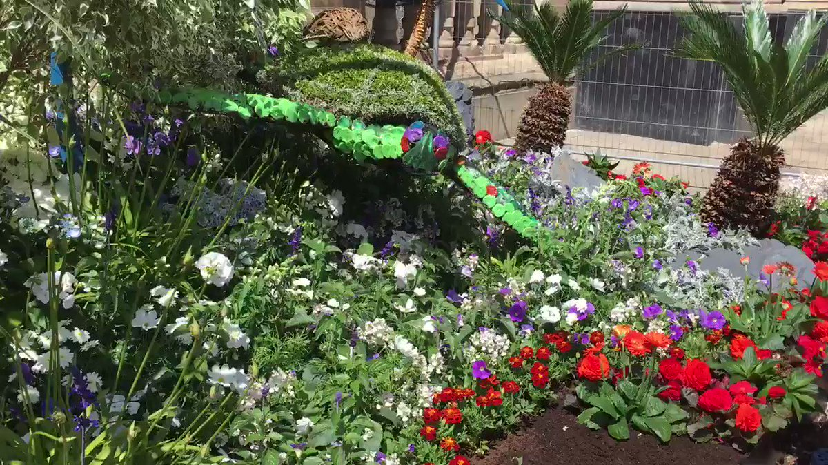 Looking good! Weve recreated our gold award-winning #RHSChelsea Flower Show garden in Victoria Square #Birmingham. @FloellaBenjamin will officially open the garden this Saturday 8 June. Everyone is welcome to the launch at 11am bit.ly/2wyyW1w #FloellasFuture