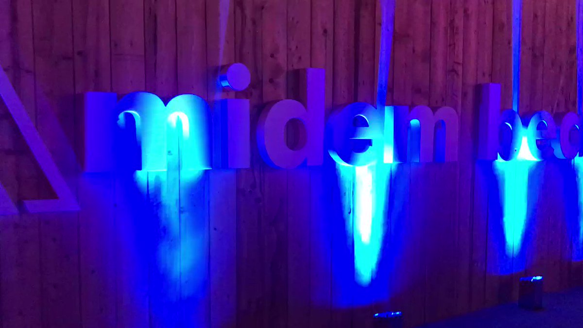 Image for the Tweet beginning: Live at #midem2019 beach