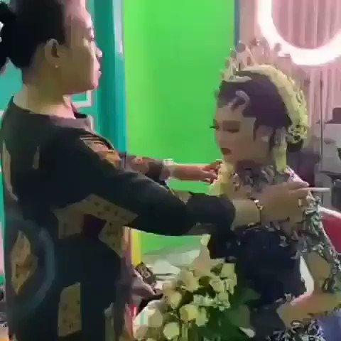 Video terlekat