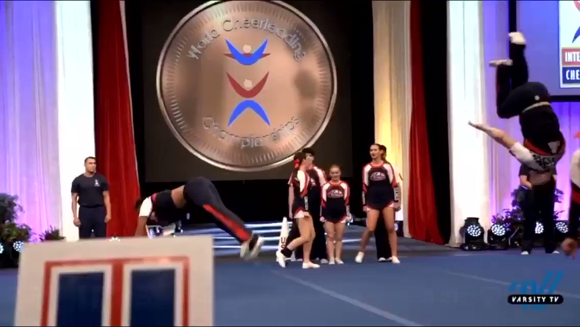 Did he just........salute the country mid-full on dead mat?? 👀🇺🇸