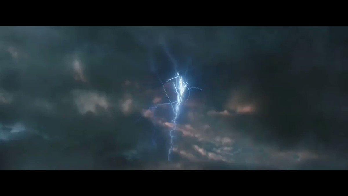 Ninguém:  absolutamente ninguém:  Marvel: Vai ter Thor 4