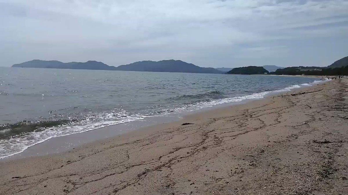 エディオンに行った帰りに、虹ヶ浜へフラッと立ち寄り。国道188号線からすぐにある癒し。 #白砂青松がすぐある幸せ #ビーチクリーナーでそろそろゴミを取り除こう #瀬戸内海 https://t.co/6RaXRUDF9M
