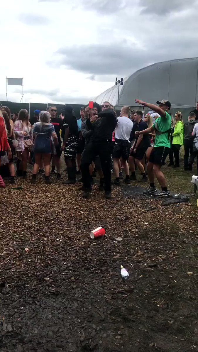 When you've got fa cup final at 3 and a rave at 10 @Parklifefest