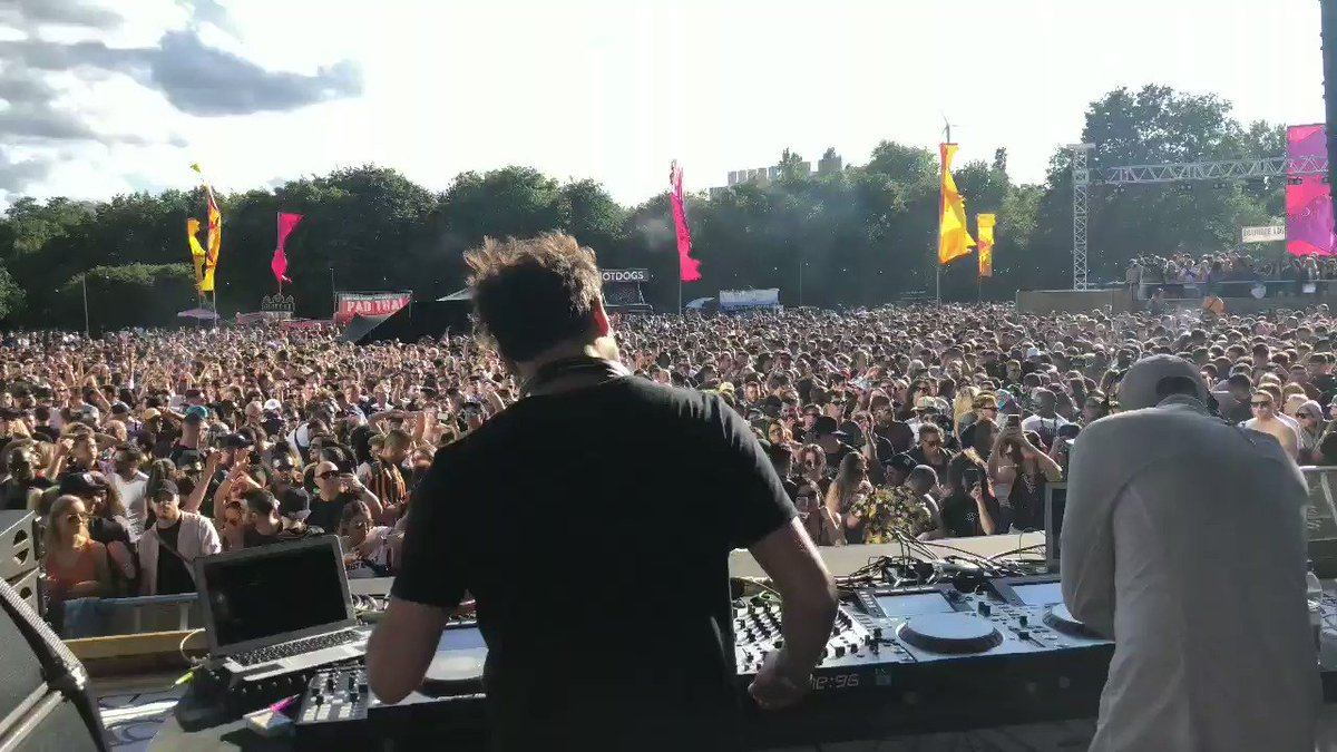 Techno in the sun ☀ @TaleOfUs bringing the heat to @junction_2 🙌