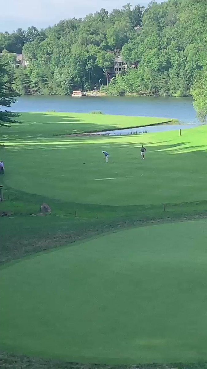 Image for the Tweet beginning: An excellent approach shot here
