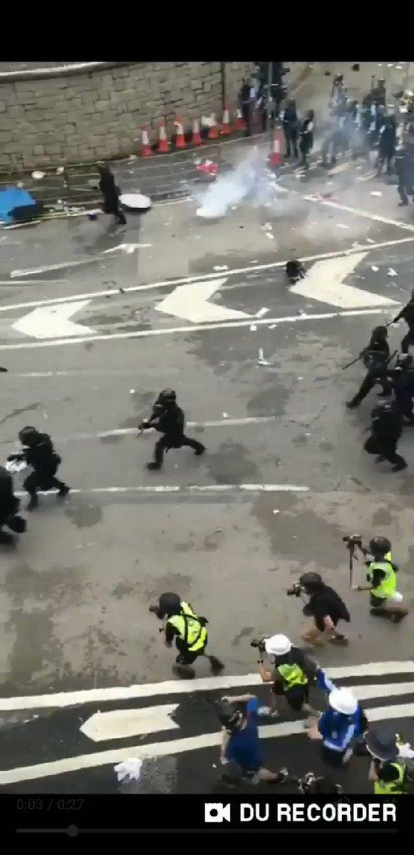 @70IJcV66BSThXnV's photo on #HongKongProtest