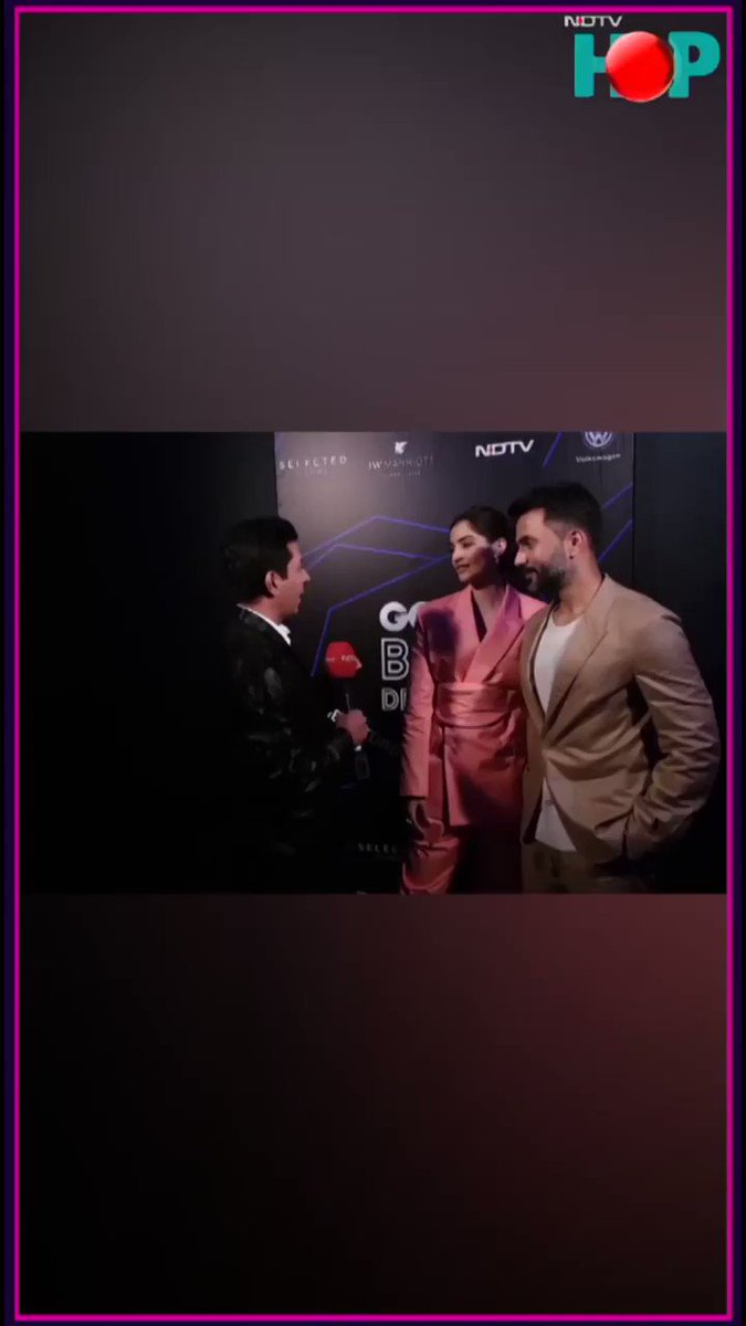 #GQBESTDRESSED: @sonamakapoor @anandahuja @karanjohar talk #fashion  WATCH the full show here: https://hop.live/video/exclusive-gq-100-best-dressed-party-518047…  @gqindia #sonamkapoor #anandahuja #karanjohar @SonamKapoorFC @SonamKapoorCafe #NDTV #style #bollywood #films #celebrities #stars #actors #Entertainment