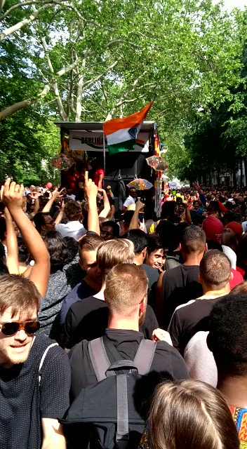 London bna Boring Road Patna.Aur krwa lo World Cup London me. 🏏😆#CWC19 #Bihar #AUSvPAK