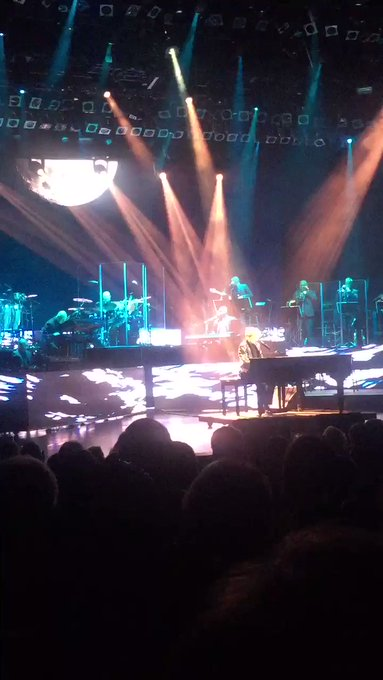 Take me back!! Lol when I seen Barry Manilow!  what a show!! Happy birthday Mr. Mainilow!