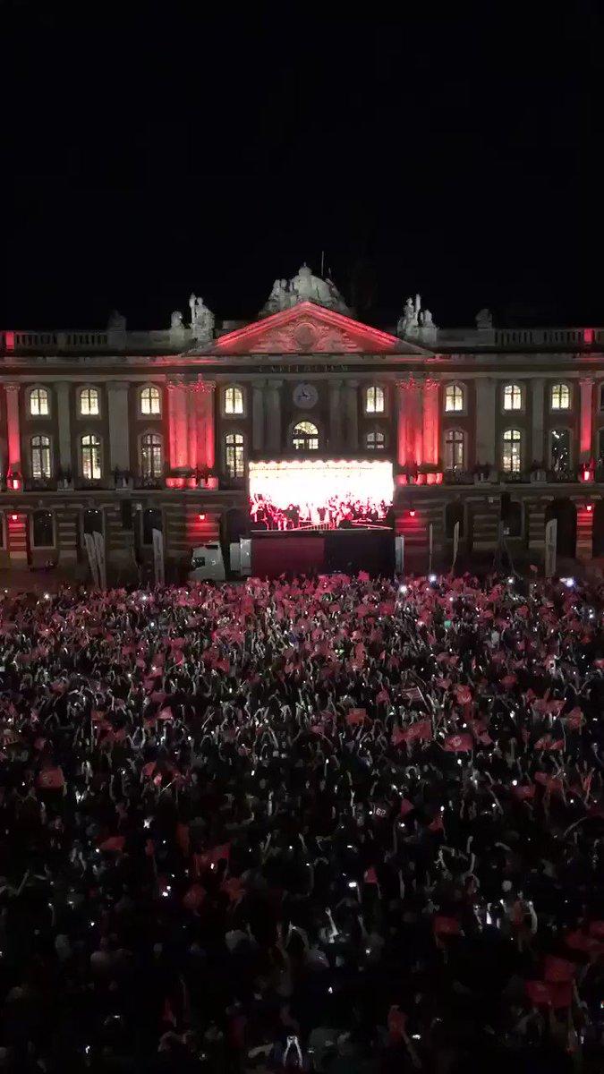 Depuis #Toulouse bravo et merci le @StadeToulousain 🏉 pour cette #FinaleTOP14 #STASM ❤️🖤