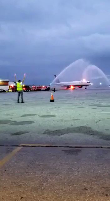 Image for the Tweet beginning: Water salute for our champs!
