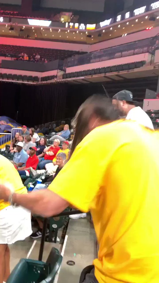 One of our favorite moments of the night at the @IndianaFever game - air guitar to Welcome to the Jungle! 🎸 @TheFieldhouse @WJJK1045 #indianafever #rocknroll
