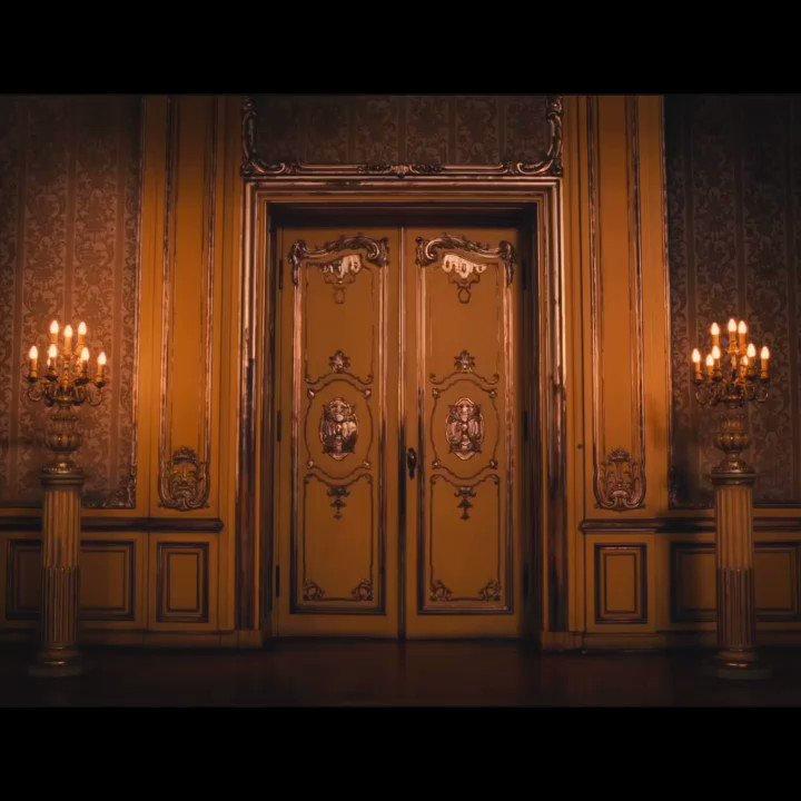 Гиф открывающаяся дверь