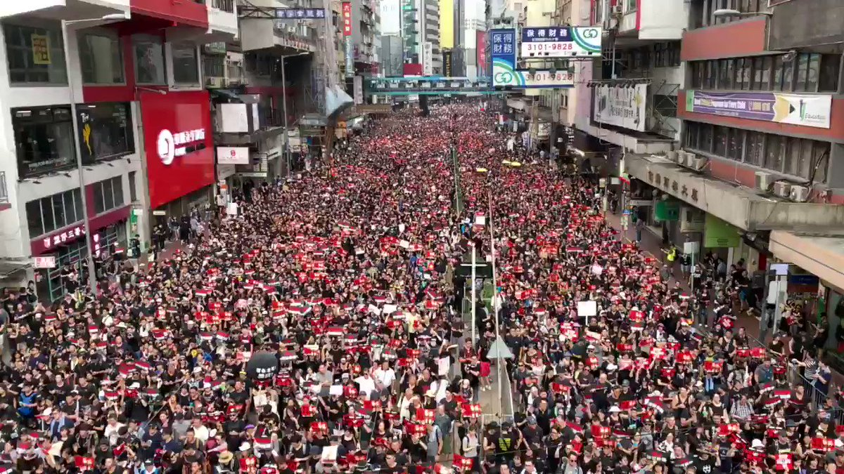 Meanwhile, in Hong Kong, a city with total population of 7.7 Mils. 2 Mils ppl took on street Sunday to rally against proposed extradition law. This is not just protesting the bad law. This is ppl #awakening up against Communist and totalitarian regime.