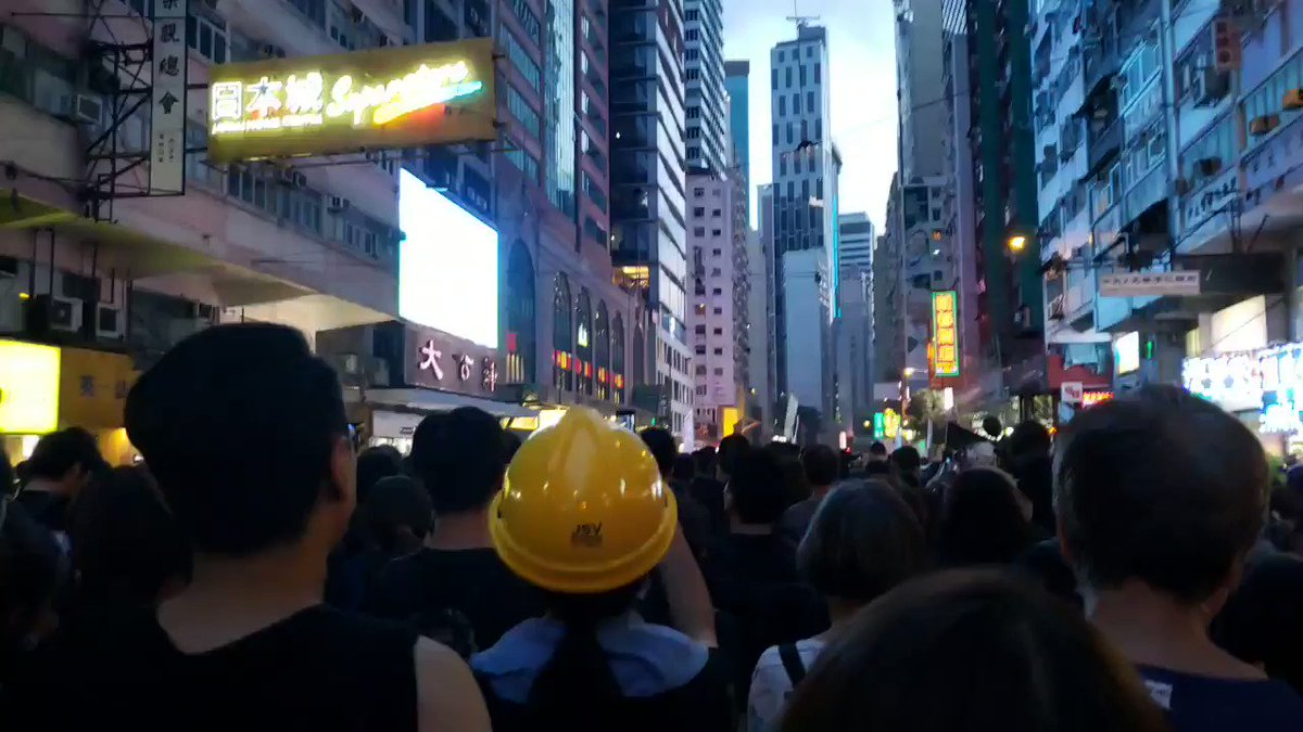 """""""Ta Kung Pao! Shut The F**k Up!"""" #AntiELAB protesters gave rounds of boo to one of Beijing's mouthpieces in Hong Kong, along with their middle fingers."""