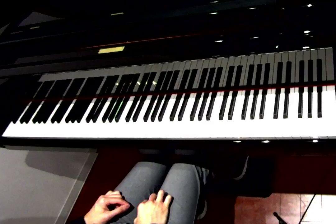 川崎戦ゴール裏で観ていてやっぱりバビロンの河は良いなあ、ということで弾いてみました。フル版は世界を切り拓けも一緒に弾いてます。フル版: #consadole #ピアノでチャント
