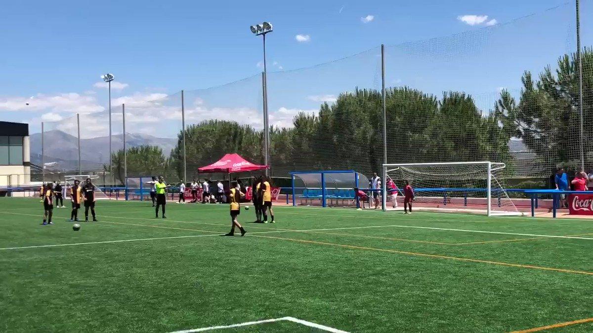 Último partido de la temporada de Violeta con el @CD_Tacon en un día de doble sesión en Madrid y Galapagar #correquenollegamos #futbolfemenino mola