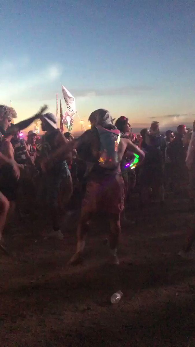 The homie @KingxAnt and I were absolutely getting after it during @i_oofficial set at #Paradiso2019 pic.twitter.com/wCLOQ5a0z2