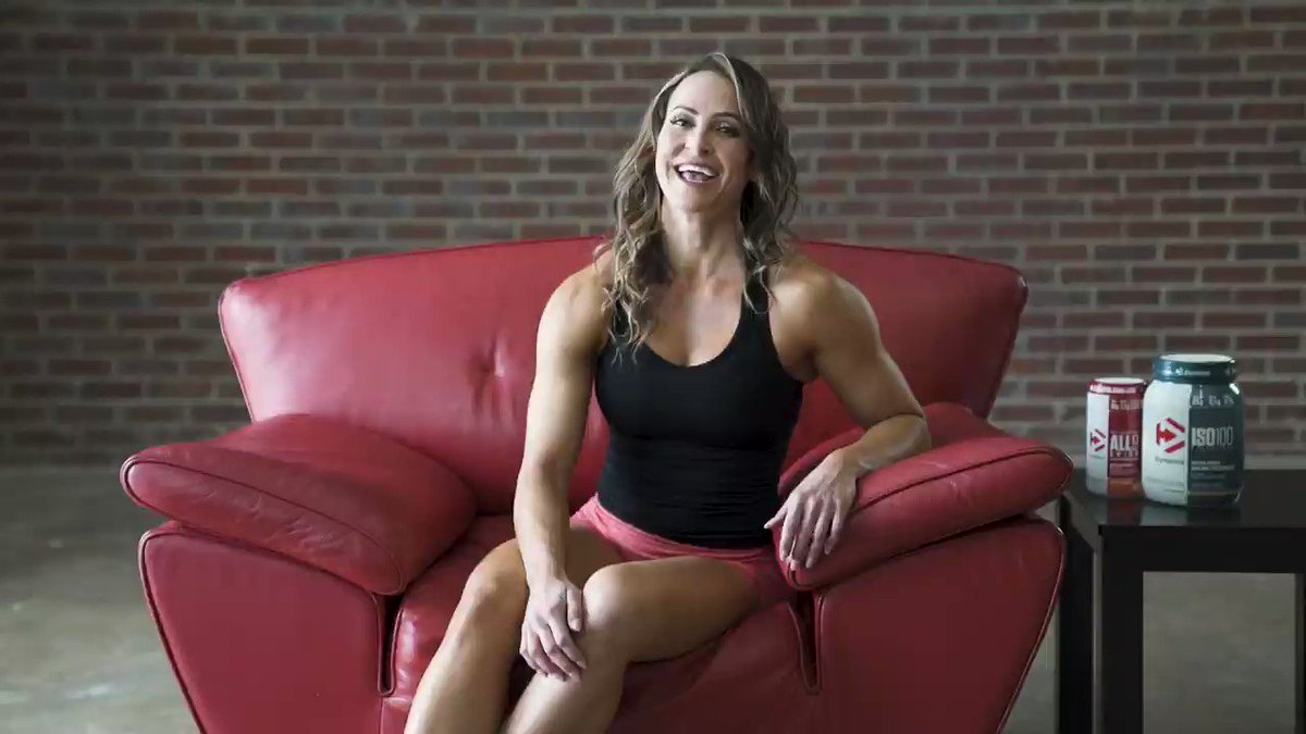 Hit your goals in time for summer with these three training tips from former Division I track athlete and two-time Figure Olympia and 14-time IFBB champion Erin Stern. Read Erin's Women Strong Profile here: https://bit.ly/2Wj0xlX @dymatize @CarnoSyn