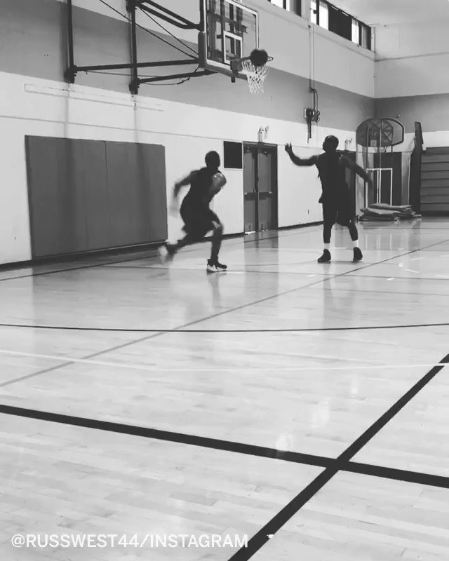 Father ➡️ son Russ threw down some alley-oops from his dad ❤️ #FathersDay