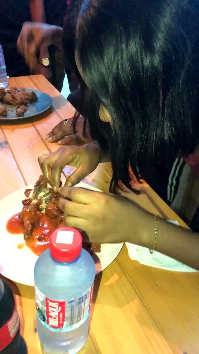 I tried 😂😂😂 this was soooo not easy  @wonderwingsgh  @the_JAUSH  #MeiDeyEatWonder