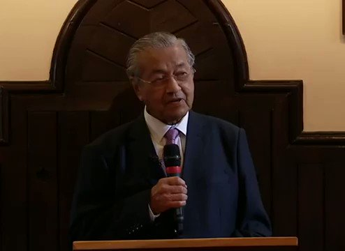 "Tun @chedetofficial at the Cambridge Union.  ""During the colonial era we had Malay Sultans who were called rulers but they didn't rule, their English 'advisors' ruled so When the British criticize us, I don't think they mean what the say"""