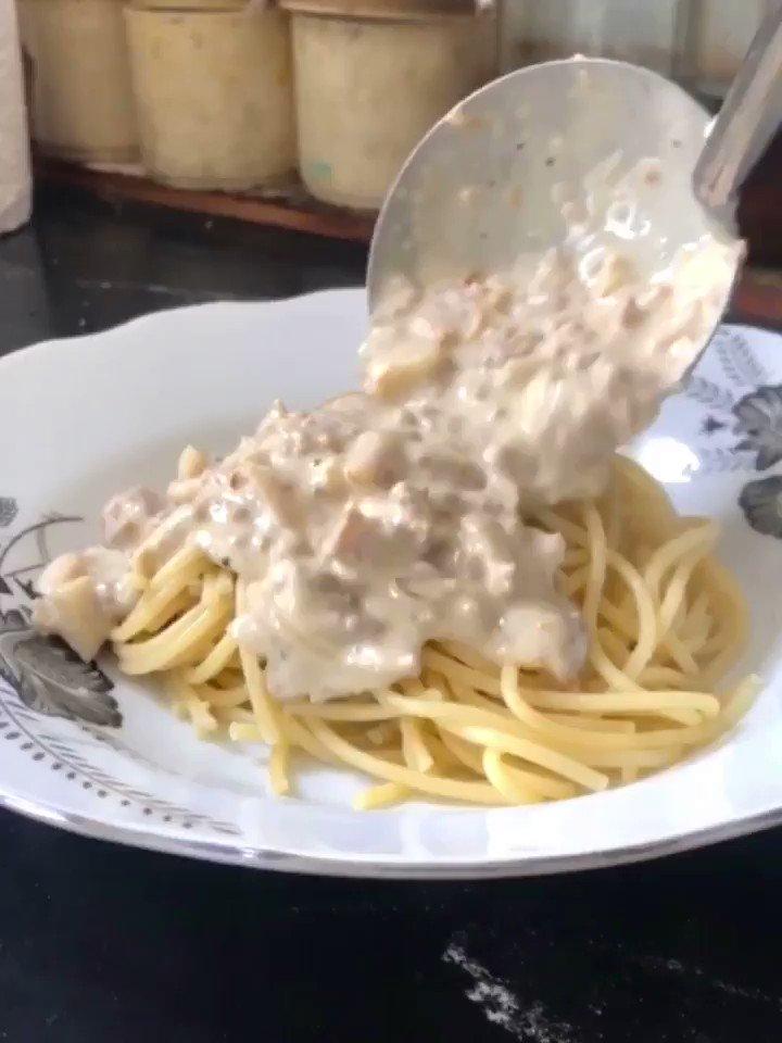 MENU FOR TODAY : Spaghetti Carbonara 🍝🍝🍝  simple and easy , dia jadi susah sebab kau je pemalas bowdowwww